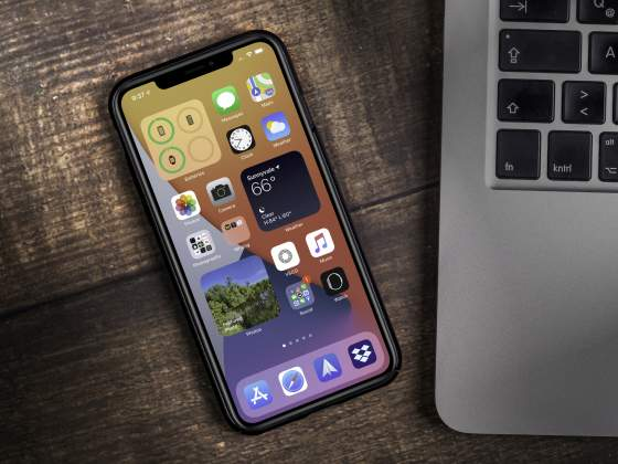 The new iOS 14 iPhone home screen.