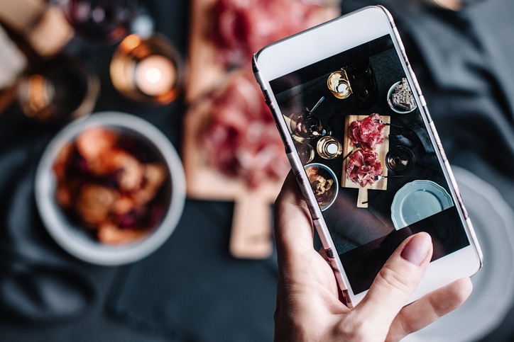 Capture all the colors and visual flavors of food perfectly with an external flash.