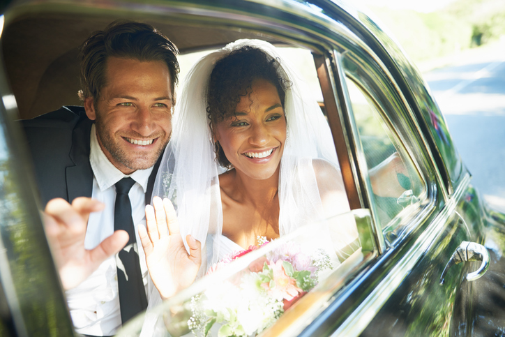 Don't forget a bride and groom send off-photo to end the celebration.