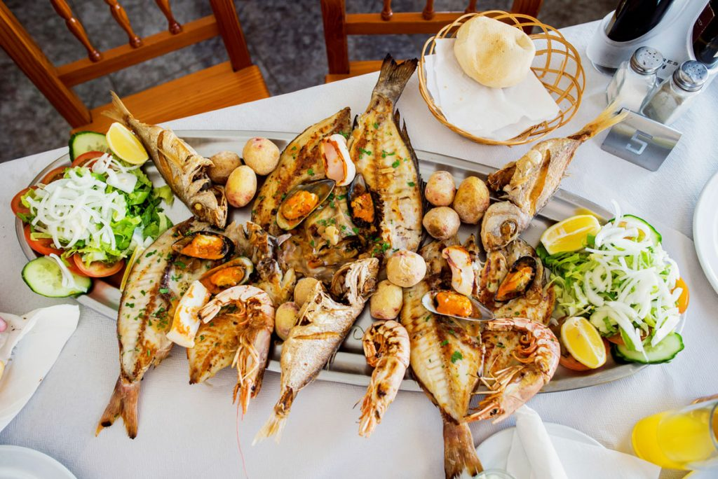 A large plate of fish and shrimp | Motif